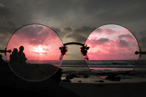 rose-colored-glasses.jpg